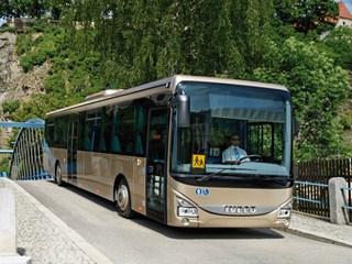 Iveco-Crossway-LE-2013-Design-Interior-Bus-7.jpeg
